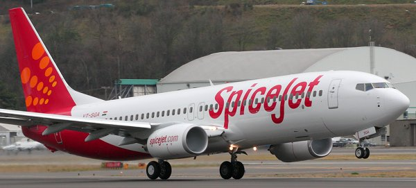 Spicejet airline aircraft taking off